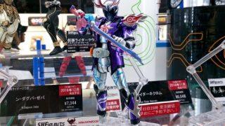 仮面ライダーゴースト『S.H.Figuarts 仮面ライダーディープスペクター』が初展示!