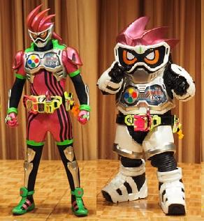 仮面ライダーエグゼイド「仮面ライダーエグゼイド アクションゲーマー レベル2」と「仮面ライダーエグゼイド アクションゲーマー レベル1」