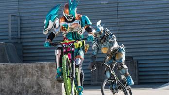 仮面ライダーエグゼイドが自転車に!