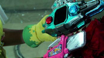 変身ベルト バグヴァイザーⅡ&ときめきクライシスガシャットで仮面ライダーポッピーに変身!