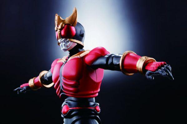フルアクションフィギュアSAGA「ヒーローズコミックス版 仮面ライダークウガ」