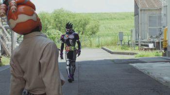 仮面ライダービルドはゲンムのライフを減らす強さ!ゴリラモンドフォームも登場!
