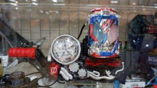 『仮面ライダービルド』DXラビットタンクスパークリング、クローズドラゴン、ビートクローザー、カイゾクハッシャーが展示!