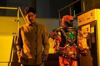 『仮面ライダービルド』氷室幻徳がブラッドスタークとファウストのアジトに登場!