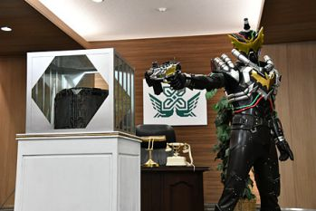 仮面ライダービルド 東都政府にナイトローグが出現!
