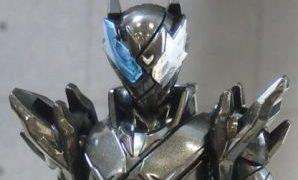 「創動 仮面ライダービルド BUILD6」のラビットタンクハザードフォームは顔パーツ交換でスマホウルフハザードフォームに!