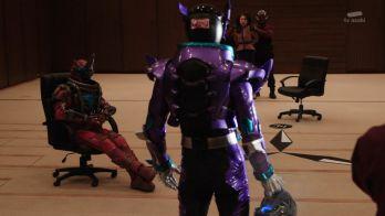 『仮面ライダービルド』4人目のライダー「仮面ライダーローグ」は後頭部にワレモノ注意のシールが!w