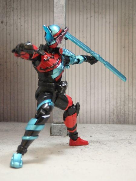 「創動 仮面ライダービルド BUILD9」にローズコプターフォームがラインナップ!