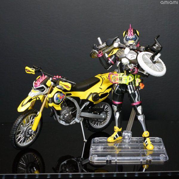 S.H.Figuarts 仮面ライダーレーザー チャンバラバイク、プロトスポーツバイク、ゲンム ゾンビアクションゲーマーが参考出品!