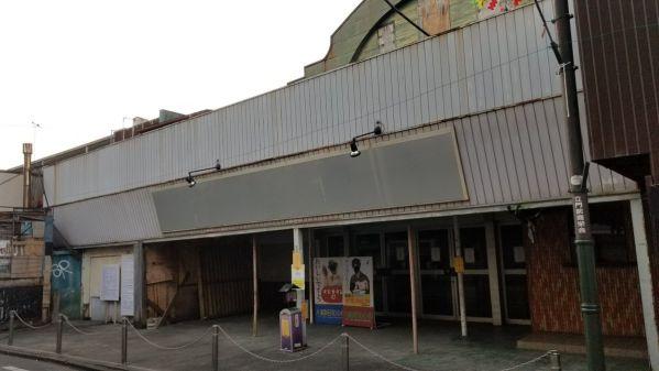 『仮面ライダーW』鳴海探偵事務所でお馴染みのロケ地・川越・旧鶴川座が2019年取り壊しに。平ジェネでロケ使用する案も…。