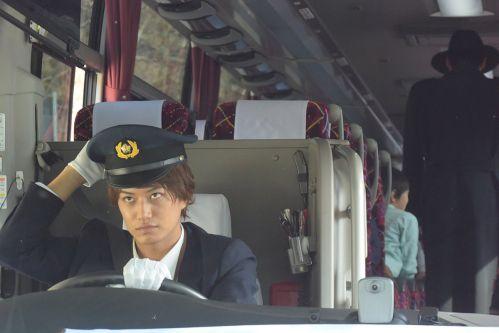 『仮面ライダージオウ』第27話で門矢士がソウゴ飛流バス事故の運転手で再登場!ソウゴの夢に登場した男も乗車…スウォルツ?