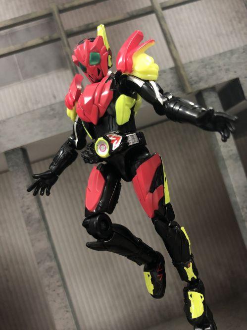 「装動 仮面ライダーゼロワン AI 01」が10/28発売!ゼロワン フライングファルコンで全6種!コンプリートセットは10/4予約開始!