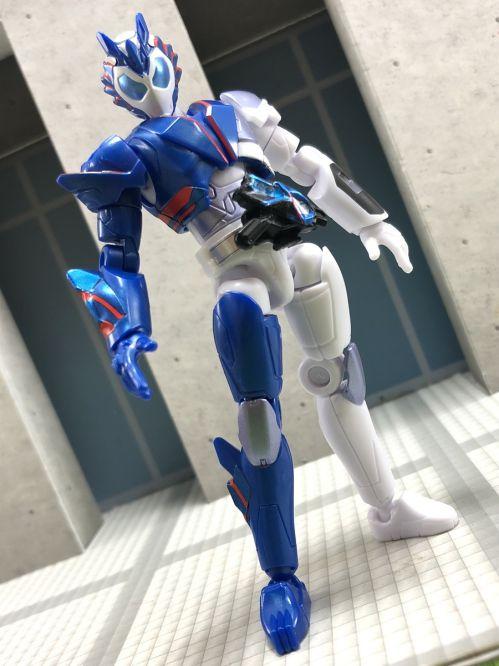 「装動 仮面ライダーゼロワン AI 01」に仮面ライダーバルカン シューティングウルフがラインナップ