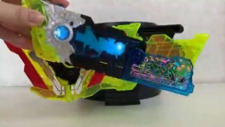 仮面ライダーゼロツー「DXゼロツープログライズキー&ゼロツードライバーユニット」公式最速商品映像