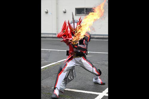 『仮面ライダーセイバー』第1章「はじめに、炎の剣士あり。」