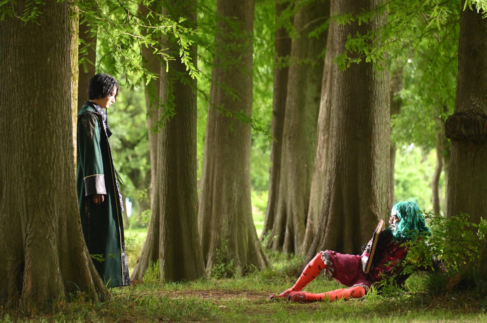 『仮面ライダーセイバー』第42話の新画像!タッセルが大ピンチ!デザストの想いと蓮の間に生まれるものとは?